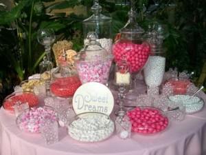 mesa de doces rosa para meninas