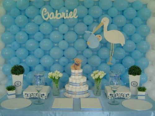 decoração de chá de bebê azul e branco simples