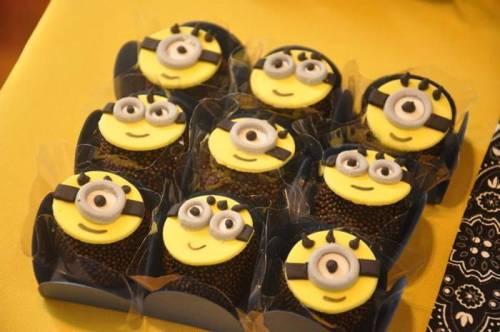 doces para festa com tema minions