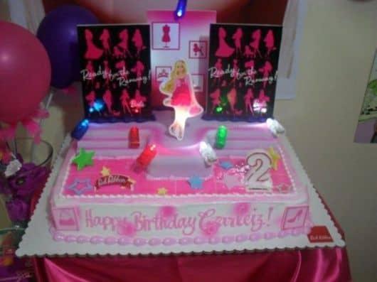 como organizar aniversário de bebê - tema barbie