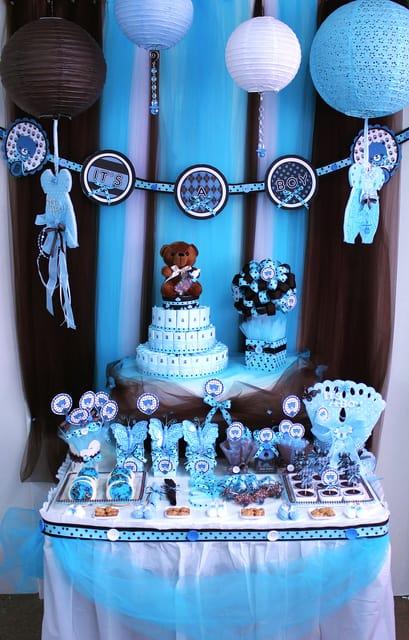 como decorar festinha de chá de bebê com azul e marrom