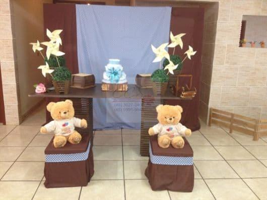 mesa chá de bebê azul e marrom com ursinhos simples