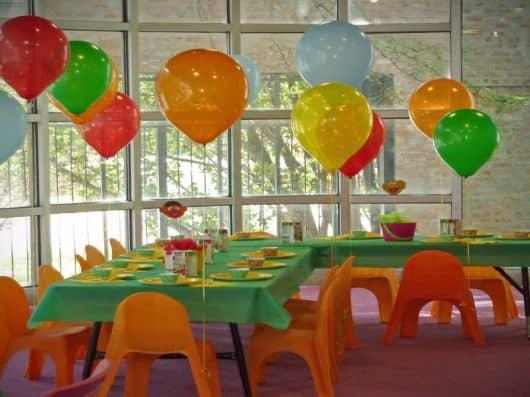 decorações de festa infantil simples em salão