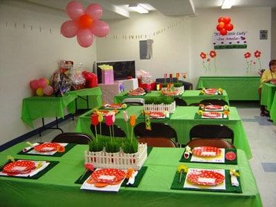 foto de salão simples decorado para festa de criança