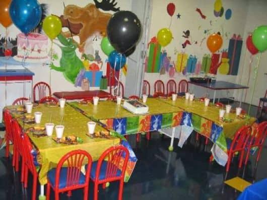 decoração simples de festa infantil na escola