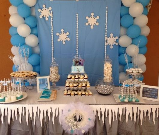 Como decorar Festa Frozen infantil simples