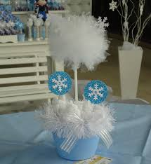 Dicas de arranjos de mesa para Festa Frozen infantil