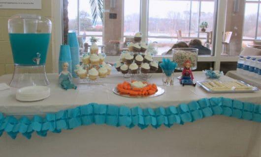 Decoração de Festa Frozen azul e branco - Dicas