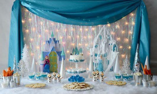 Dicas de decoração de mesa de bolo Frozen