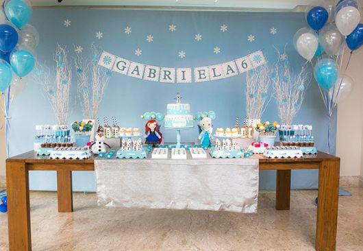Decoração de festa infantil Frozen simples e barata