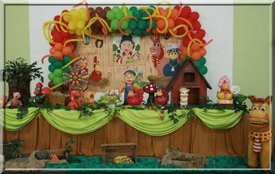 ornamentação festa cocoricó