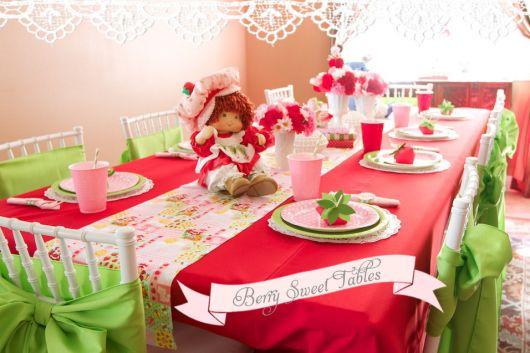 como organizar mesa de festa da moranguinho