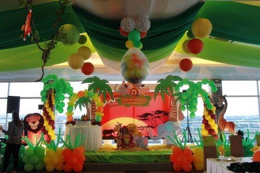 Decoração de aniversário safari verde, marrom amarelo