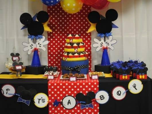imagem de festa do mickey para crianças maiores