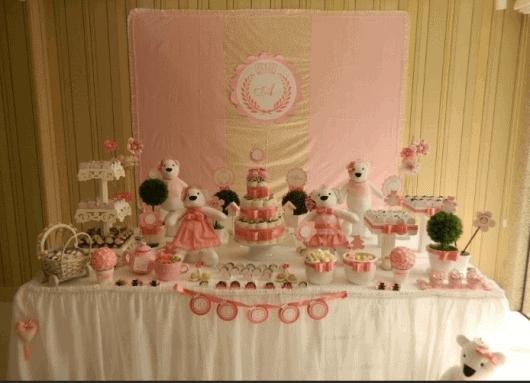 Decoração bolo de fraldas menina