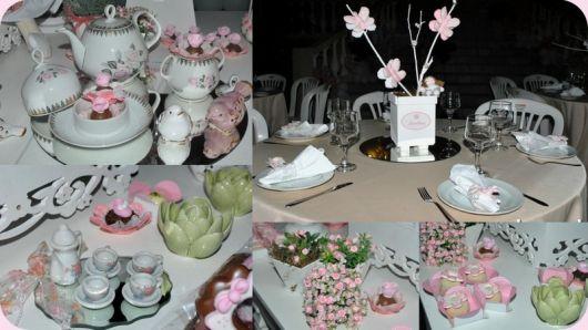 Mesa decorada para chá de fralda feminino