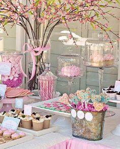 mesa rústica com doces