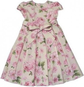 vestido florido para bebê