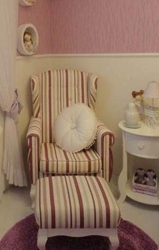 Fotos de poltrona de amamentação provençal para quarto de bebê