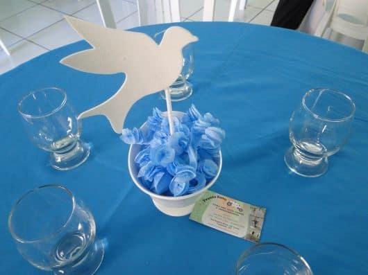 decoração mesa batizado menino