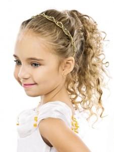 penteado de cabelo cacheado para menina