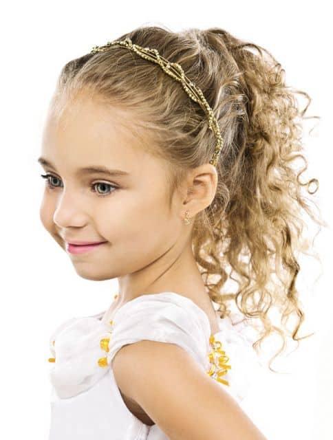 Resultado de imagem para penteados para crianças com cabelo enrolados
