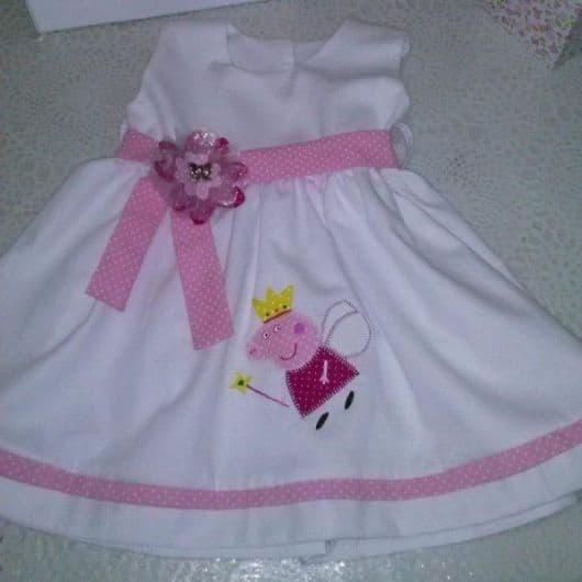 Modelo de vestido de aniversário peppa pig branco