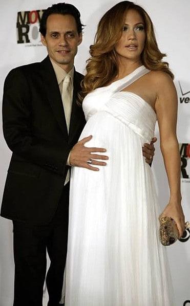 vestido branco de celebridades grávidas