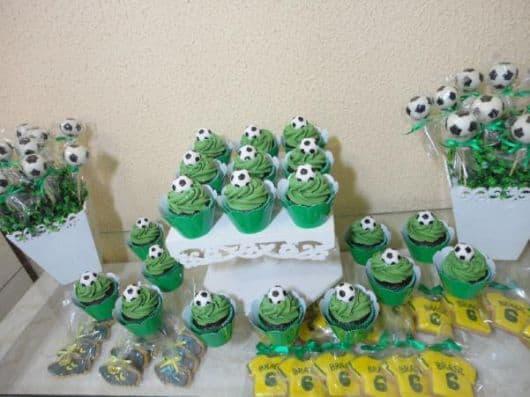 Fotos de cupcakes de futebol para festa infantil
