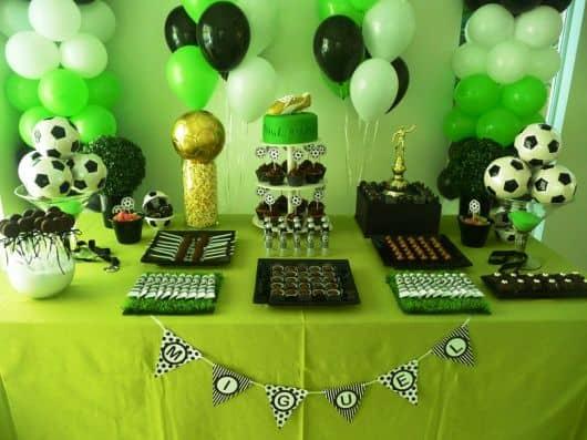 Cores para festa infantil futebol - verde, branco e preto