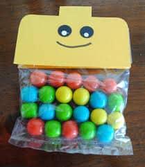 balinhas e doces para aniversário Lego