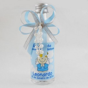 Lembrancinha infantil de água benta