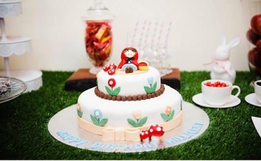 Fotos de bolo para Festa Chapeuzinho Vermelho em biscuit
