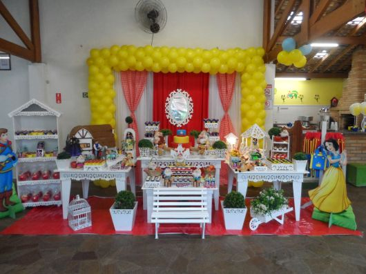 Artigos de festa branca de neve provençal