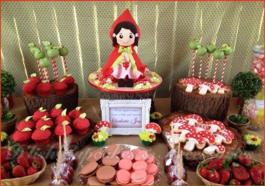 Decoração de Festa Chapeuzinho Vermelho rústica