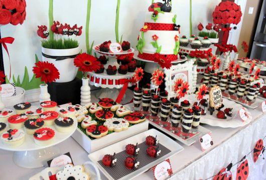 festa joaninha vermelho e branco