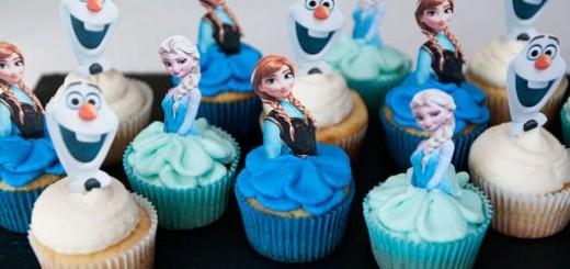 lembrancinha-frozen-cupcake-decorado