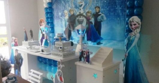 Móveis para aniversário Frozen provençal