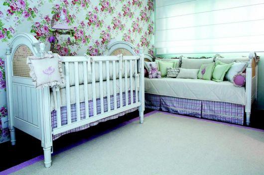 papel de parede para quarto de bebê floral