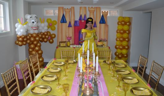 como decorar uma festa da bela e a fera