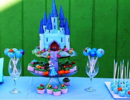centro mesa festa infantil cinderela azul