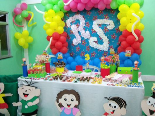decoração simples em casa de festa turma da Mônica