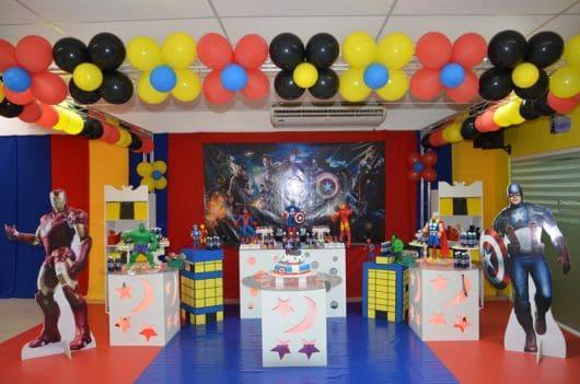 como decorar uma festa dos vingadores