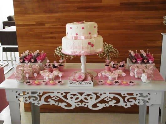 mesa de bolo provençal de batismo