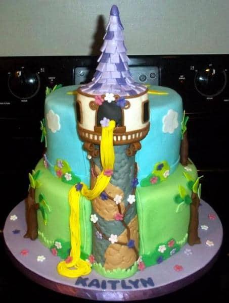bolo castelo da rapunzel