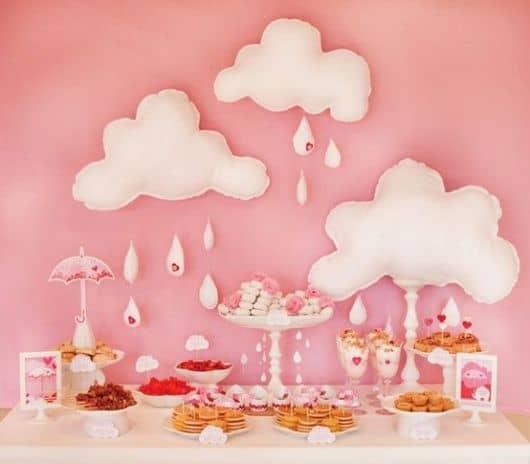decoração de chá de bebê rosa e branca