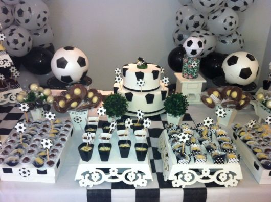 mesa do bolo provençal de futebol