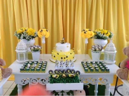 mesa do bolo abelhinha provençal
