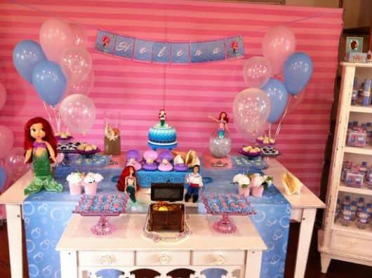 mesa provençal do bolo Pequena sereia