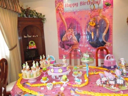 festa rapunzel simples em casa